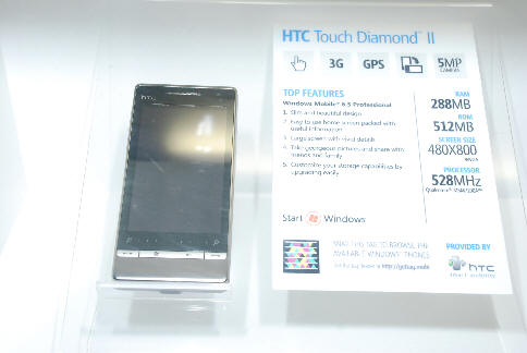 htc_touch_diamon2_msft_stand.jpg