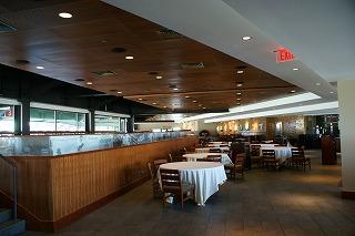 球場内のレストラン
