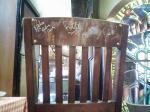 BON JOVIサイン入りの椅子