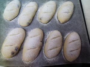 初 自家製酵母パン 1