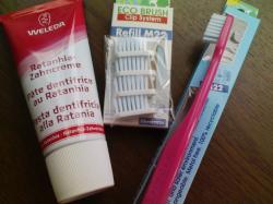 エコ歯ブラシとヴェレダの歯磨き粉