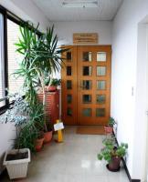 治療院玄関の看板2