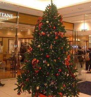 ルミネクリスマスツリー