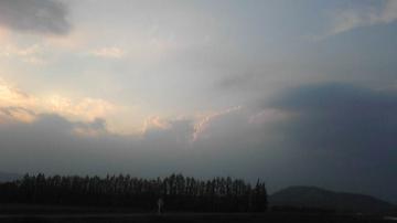 夕立の予感