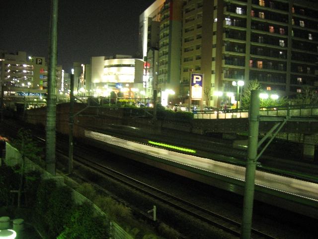 街明かりと電車