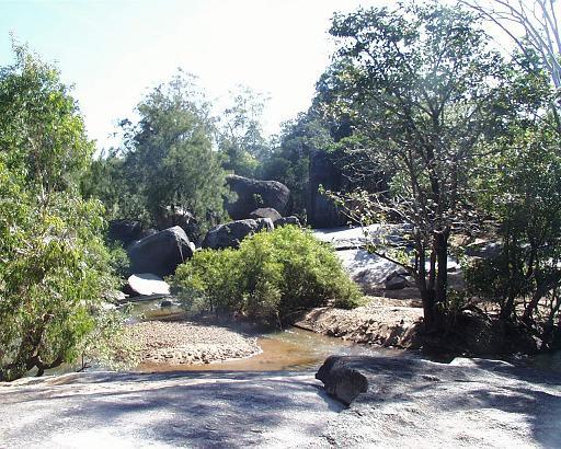 グラナイト渓谷