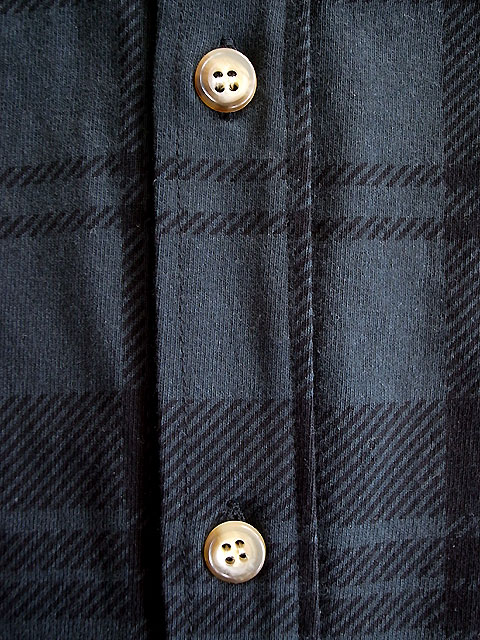 CHECK-CUT-SHIRT-BOTTON-BLK.jpg