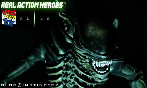 blogtop-rah-alien.jpg