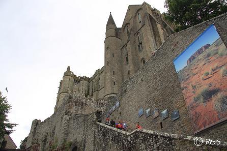 fモン・サン・ミッシェルのお城への道2IMG_1240