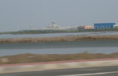 天津港に軍艦