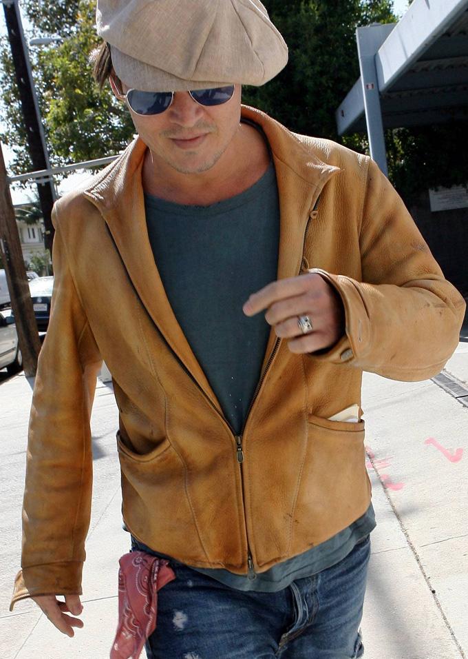 johnnY DEPP ジョニーデップ 靴 シューズ ダークナイト バットマン ヒースレジャー ジョーカー ブラッドピット タートオプティカル TART OPTICAL AMBER ARNEL シークレットウィンドウ メガネ 眼鏡 ウォレ