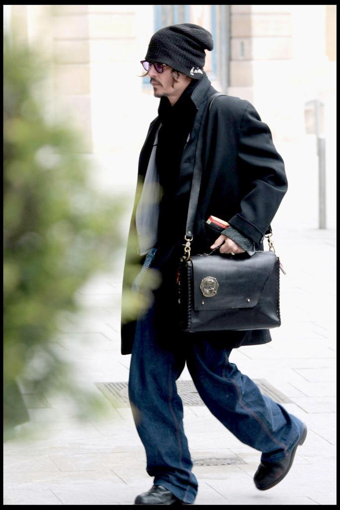 johnnY DEPP ジョニーデップ RRL  9 シザーハンズ ハロウィーン ジェームスディーン マッドデーモン ジェイソンボーン めがね TART EYEGLASSES ファッション パイレーツファッション プレミア 試写会