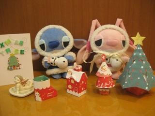 左のクリスマスカードは生徒さんから届いたものです♪