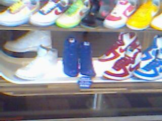 20090621 西門06-好鮮#35924;的鞋子01