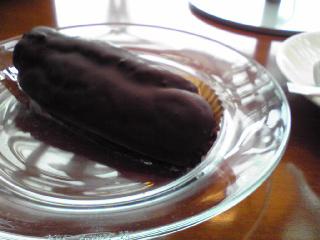 チョコ生クリームエクレア