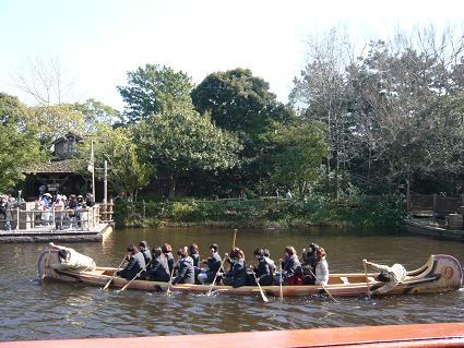 舟こぐ学生