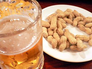 GOZO ビールとピーナッツ