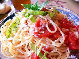 ソニーボーイ トマトとバジルの冷製パスタ