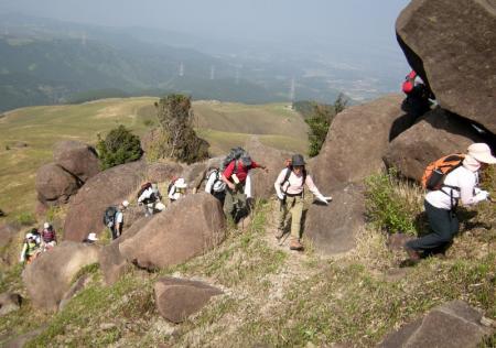 2009.4.19一の峯~冠ヶ岳 025