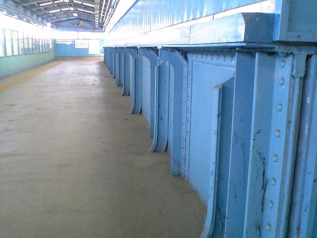 四日市駅跨線橋
