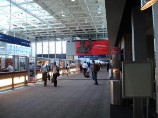 セントポール空港アーケード