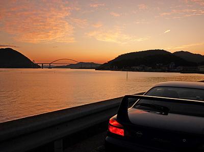 夕焼けと内海大橋と我が愛車3