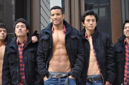 abercrombie_fitch_ginza_store_models_01-thumb-600x398-19766.jpg