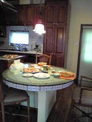 作りつけのテーブル