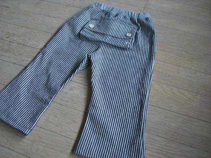 ヒッコリーのヒップポケット半端丈パンツ
