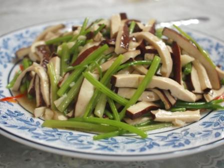 緑竹館豆腐芹菜