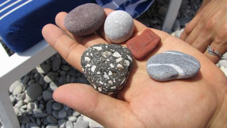 Jakeさんピックアップの宝石…いや海岸の石