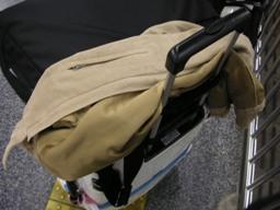 デカイスーツケースと尺八5本入ったカバン・・・。