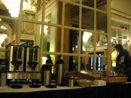 左からコーヒー、コーヒー、お湯、ミルク