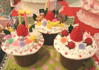 ケーキ小物入れ3つ
