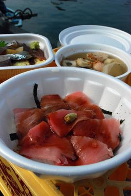 特選トロ丼と海鮮丼