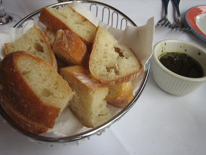 つい、最初にパンを食べ過ぎちゃうんですよね・・・