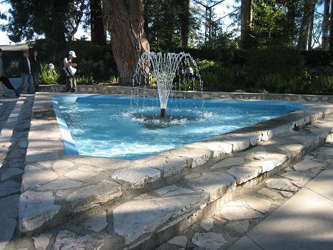 三角形の噴水