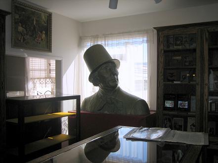 アンデルセンの胸像