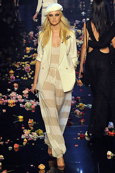 01010mStellaMcCartney.jpg