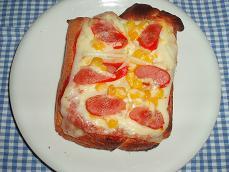 パネマザde春よ恋ミルク食パン  で夜食★ピザトースト