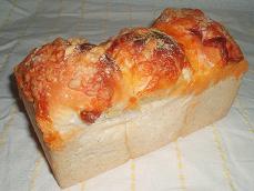 ライムギ・チーズ・ヨーグルト食パン