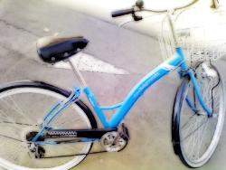 不思議鏡の大広間 自転車。