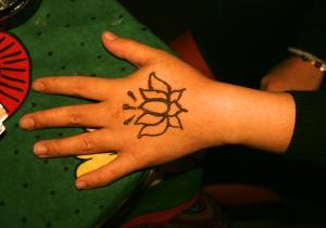hand-lotus.jpg