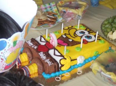 スポンジボブのバースデーケーキ