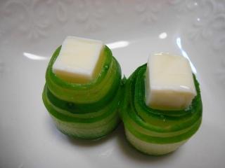 チーズのきゅうり巻き