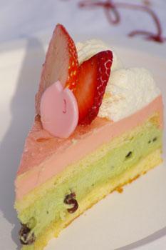 「黎明の風」ケーキ:カット面