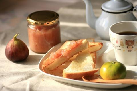 イチジクジャムで朝食blog