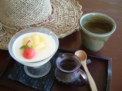 人気の豆乳プリン/黒蜜ソース