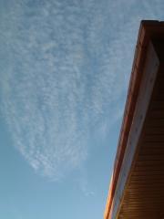 こんな空は