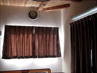 0820寝室カーテン1